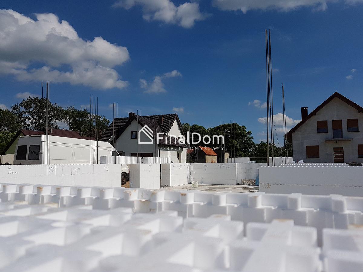 wznoszenie ścian systemowych w budownictwie niskoenergetycznym - dom Śnieżnik - Finaldom