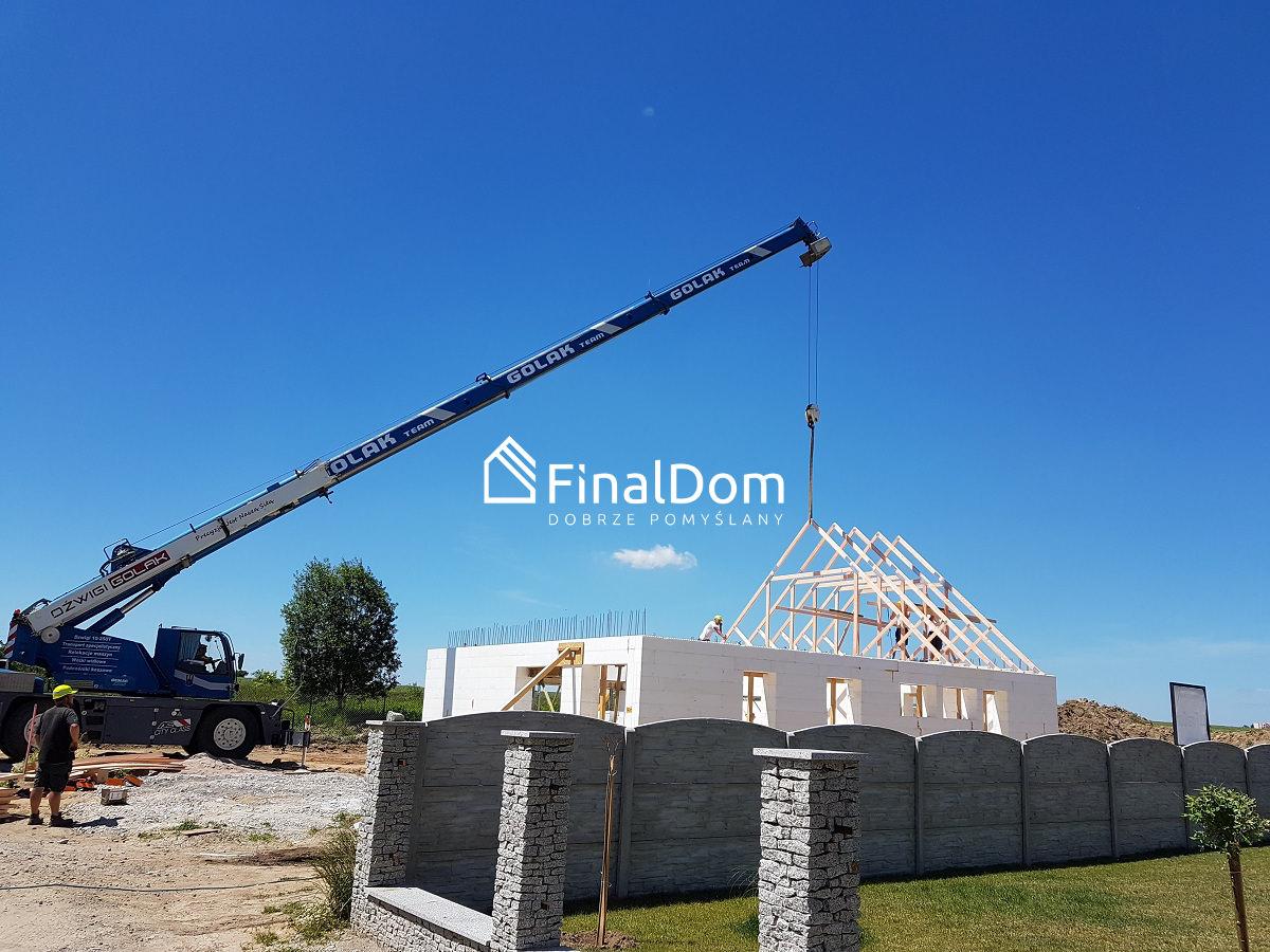 montaż konstrukcji dachowej - dom energooszczędny Śnieżnik - Finaldom