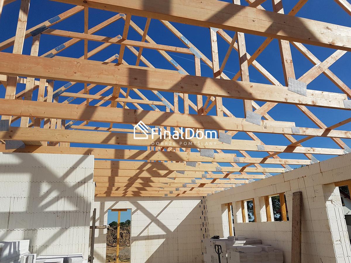 wiązary dachowe w domu jednorodzinnym psaywnym - Finaldom